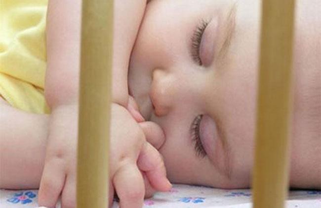 bb-cuna-duerme