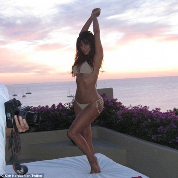 kim-kardashian-sin-photo