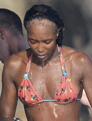 Fotos: Naomi Campbell se está quedando pelada
