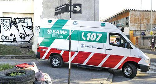 Video: Ambulancia no quiso llevar a accidentado por dar una entrevista a la TV