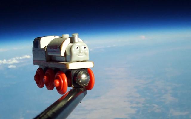 Video: Envía el juguete favorito de su hijo al espacio