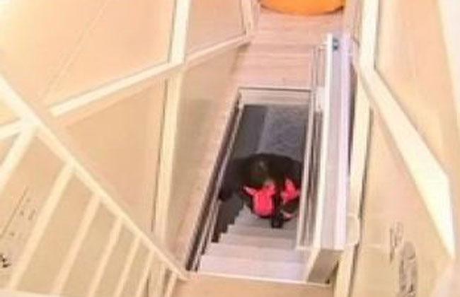 Video de la casa más angosta del mundo