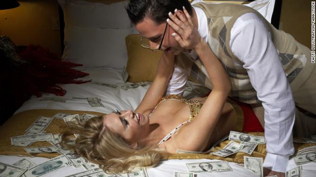 Tener dinero en el banco actúa como afrodisíaco