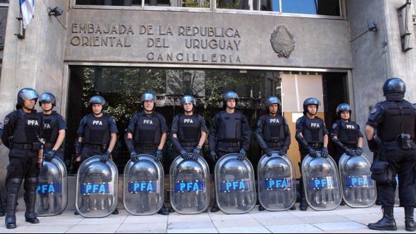 ¿Por qué Uruguay vende la sede de su embajada en Buenos Aires?
