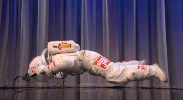 Video insólito: El salto quer compite con el de Félix Baumgartner