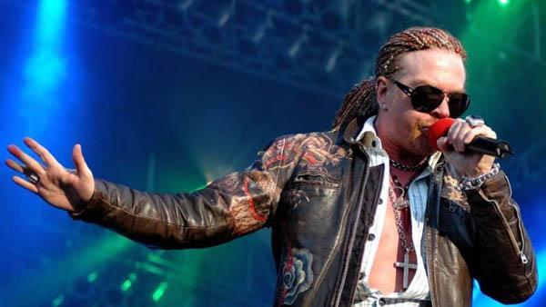 Axl Rose ataca con todo los ex Guns N' Roses