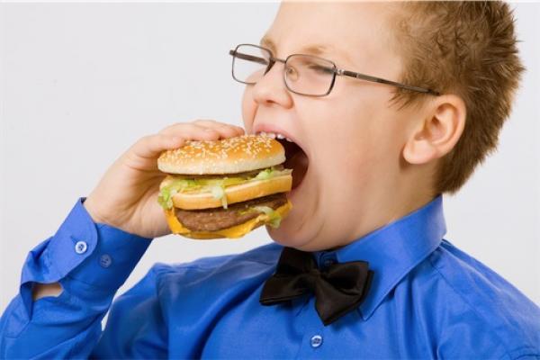 ¿La comida chatarra provoca asma?