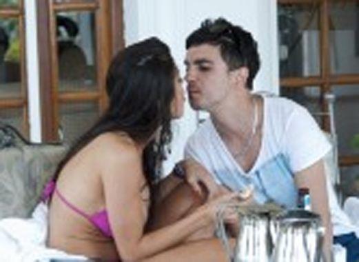 Andrea Rincón y Ale Sergi son novios