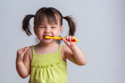 ¿El dentífrico para adultos es peligroso para los niños?