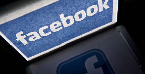 Le prohíben usar Facebook por amenazar a amigas