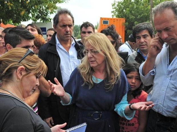 Abuchean a Alicia Kirchner en La Plata