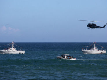 Video: Mueren dos militares al estrellarse su avión en el mar