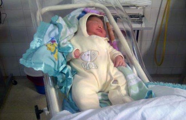 Nació superbebé de casi 6 kilos