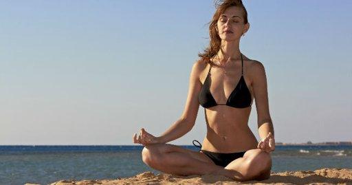 Cómo lograr un vientre plano con yoga