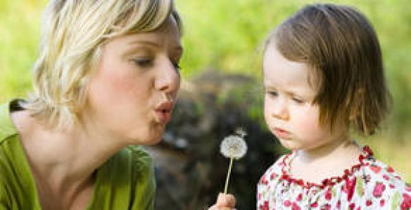 La importancia de sentarse a jugar con los hijos