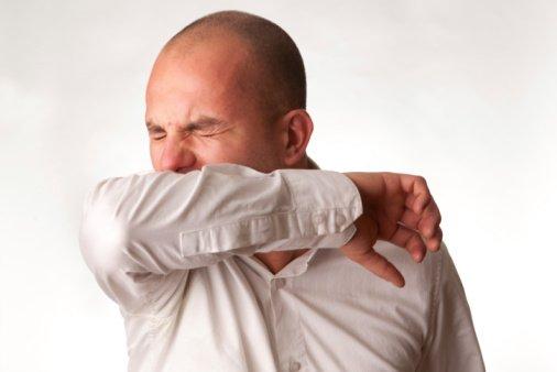 Los riesgos de contener un estornudo