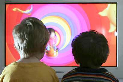 ¿La televisión educa a tus hijos?